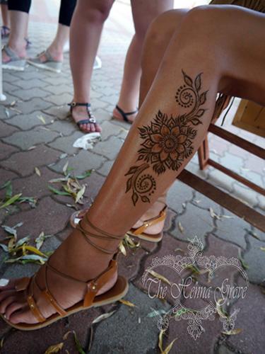Henna a Krisna-völgyi búcsúban