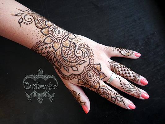 Kézfej henna