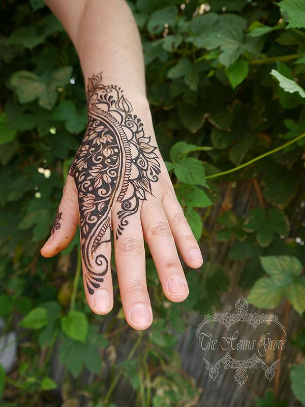 Lush henna